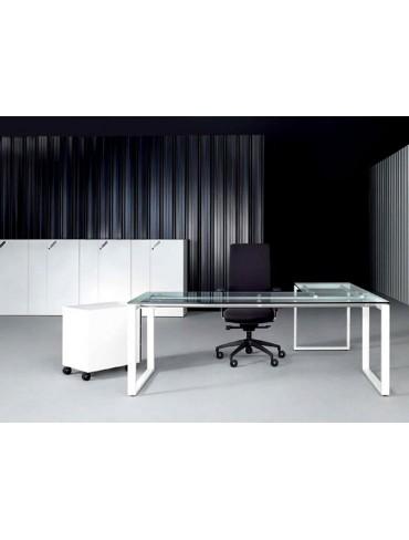 Levira On Team Leader Desk 101