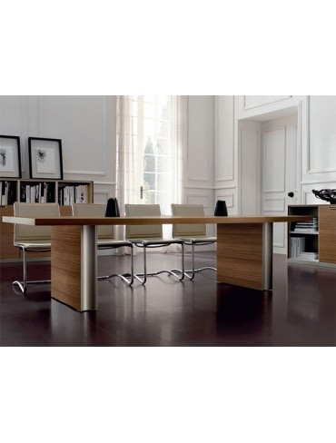 Ipso Meeting Table